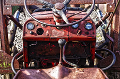 husey detail 4 hdr (Bilderschreiber) Tags: old tractor stain island iceland traktor alt details technik east technic rotten rost verrostet hdr husey