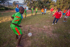 Training on life skills | Kenya (ReinierVanOorsouw) Tags: africa sport football kenya health wash afrika kenia hygiene voetbal ngo sanitation kakamega kenyai kisumu beyondborders gezondheid qunia footballafrica  simavi   beyondbordersmedia beyondbordersutrecht sanitatie ngoproject