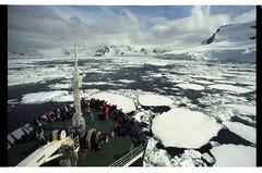 1998_12-006-10-G (becklectic) Tags: ship antarctica 1998 iceberg icefloe views100 antarcticpenninsula worldtrekker