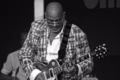Allan harris (marcosmallred) Tags: italy music italia guitar jazz blues perugia umbria umbriajazz giardinicarducci