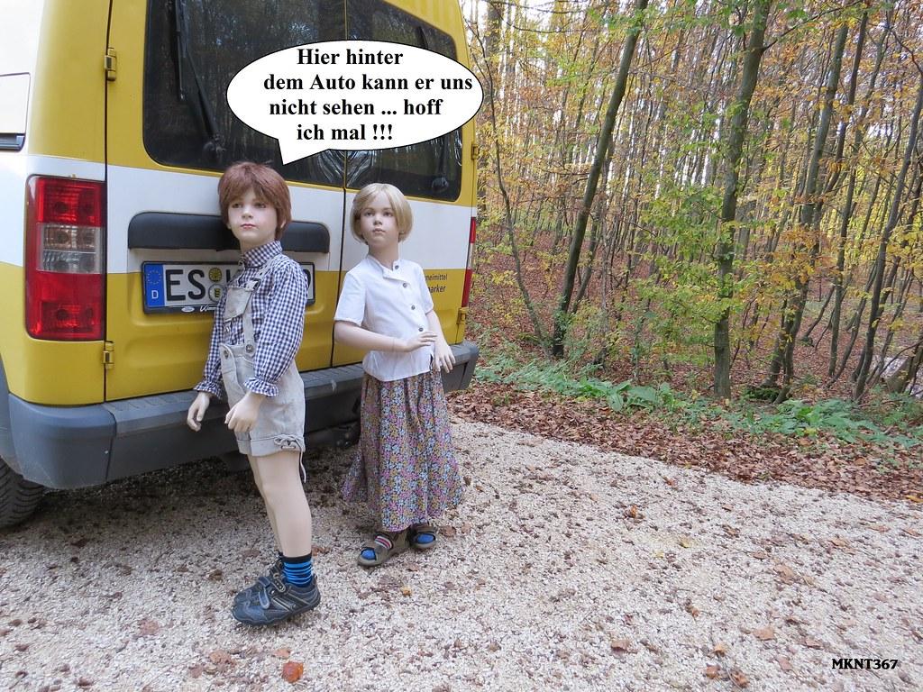 Deutsche Teenie fickt in der öffentlichen Badeanstalt
