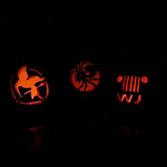 #october #pumpkin #carved #jeep #wj #spider #mockingjay #glow #candle #fun (Kerazie.Meditrina) Tags: family square pumpkin spider october jay jeep games carving hunger squareformat wj mocking iphoneography instagramapp uploaded:by=instagram