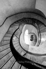 Louvre (http://arnaudballay.wix.com/photographie) Tags: 2016 paris architecture graphisme septembre iledefrance france fr city cityscape ville escalier louvre lelouvre musee museum staircase stair