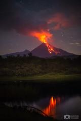 Volcán de Colima en erupción