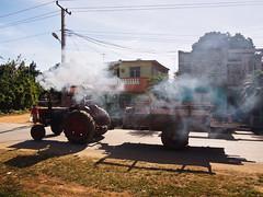 Trattore fumante (alessandro bonetto) Tags: cuba trinidad trattore fumo valle de los ingenios olympus valledelosingenios