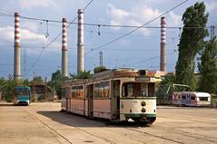 Der Zweirichtungs-Dwag 408 bleib immer als Ersatzteilspender im 'Depo Iskar' (Frederik Buchleitner) Tags: 408 achtachser bonn bulgaria bulgarien blgariya depoiskar duewag dwag ersatzteilspender gt8 gt8zr ssbbonn sofia stolitschenelektrotransportag strasenbahn streetcar tram trambahn tramvai        sofiacity blgariya dwag straenbahn tramvai