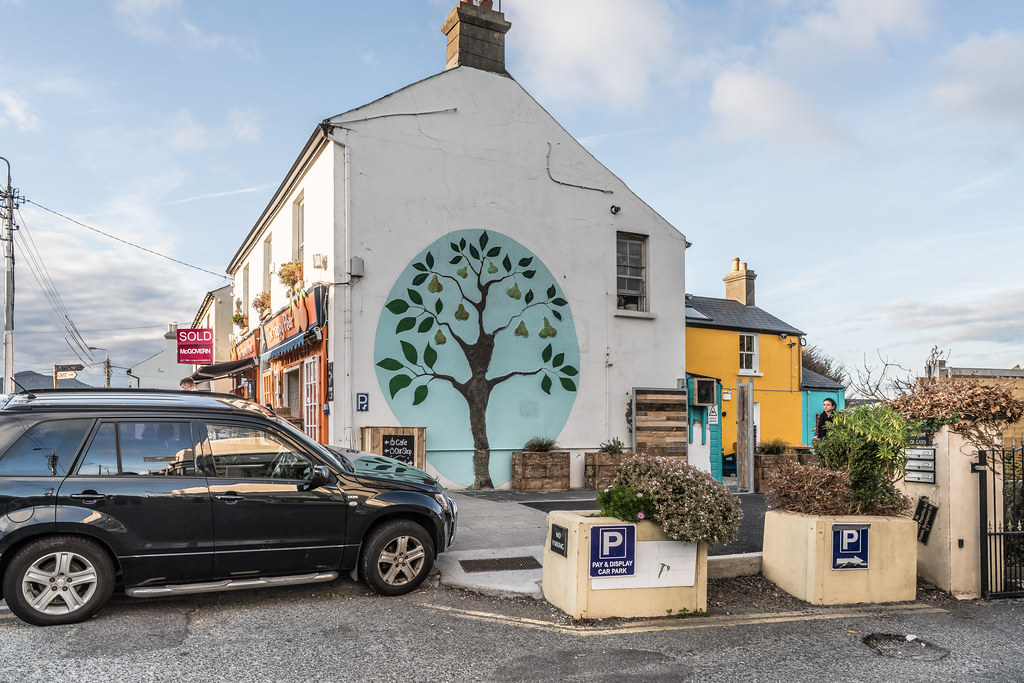 THE HAPPY PEAR [GREYSTONES COUNTY WICKLOW]-121950