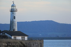 Hale Head Lighthouse. (Barry Miller _ Bazz) Tags: halelighthouse halehead canon5dmark3 300mmf4llens 14extender outdoorphotography helsby rivermersey old england helsbyhill