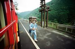 on the train to arashiyama (king jai) Tags: kyoto japan demon train run lcw film 200 arashiyama efiniti uxi