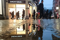 Rue des Dominicains (Lige 2016) (LiveFromLiege) Tags: lige luik liegi lieja lttich wallonie belgique puddle puddlegram puddlephotography reflet sergentmajor