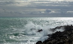 la mer qu'on voit danser ... a des reflets d'argent (b.four) Tags: lamerchansondecharlestrnet mer sea mare roquebrunecapmartin alpesmaritimes ruby5 ruby10