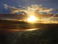 Golden Sunset (Armine Abrahamyan) Tags: sunlight sun summer sunset sunshine sunrise sunnenuntergang sonnenlicht natur nature landscape landschaft himmel sky wolke clouds berge mountain iphone 6plus 6 photography photographie