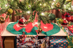 Tree (Jemlnlx) Tags: canon eos 5d mark iv sigma art 50mm f14 prime holiday christmas 2016 tree decorations snowman ornaments lights lit home house