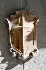 ESCUT DEL CARRER DEL BISBE (Yeagov C) Tags: barcelona catalunya escut carrerdelbisbe