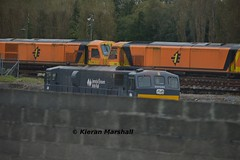 084 at Inchicore, 22/10/14 (hurricanemk1c) Tags: dublin irish train gm rail railway trains railways irishrail generalmotors 2014 inchicore 084 emd 071 iarnrd ireann iarnrdireann