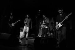 I (El Tonchi) Tags: music white black amigos blanco canon gente bajo guitarra negro bn musica bateria violeta temuco restos guitarras tonchi 5dmarkii