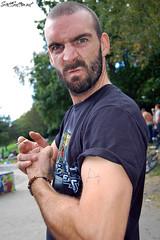 Paul divers flexing'em at Aberdare Skatepark