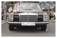 Mercedes-Benz 280CE W114 /8 M110 (1974) (Transaxle (alias Toprope)) Tags: auto autos car cars coche coches carro carros macchina macchine voiture voitures young old antigo veteran veterans oldtimer youngtimer historic vintage antique motor klassik classic classics retro clasico clasicos antic soul beauty power toprope nikon d90 berlin obi neukölln neukoelln grenzallee mercedesbenz 280ce w114 8 m110 1974 mb mercedes benz 280 ce coupé einspritzer injection 114 strich8 strichacht 1970s german germany straightsix r6 inline six sixcylinders 6cylinders vehicle vehicles paul bracq paulbracq cochesalemanes alemanes