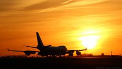 Sunset - Boeing 747 (Jean-Baptiste Gavel) Tags: boeing 747 air bridge cargo sunset vqbjb lfpg cdg paris roissy charles de gaulle