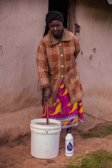 Woman with water | Kenya (ReinierVanOorsouw) Tags: kenya health wash kenia hygiene ngo sanitation kakamega kenyai kisumu beyondborders gezondheid qunia  simavi   beyondbordersmedia beyondbordersutrecht sanitatie ngoproject