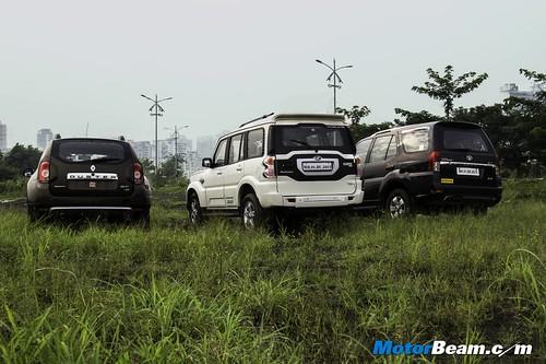 Tata-Safari-vs-Mahindra-Scorpio-vs-Renault-Duster-04