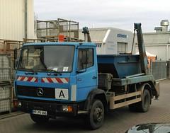 Mercedes-Benz 1317 dump truck. (lorryenthusiast) Tags: dumpster truck mercedes benz dump lorry mercedesbenz merc 1317 absetzer absetzkipper