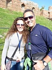 Taormina - Visita al celebre Teatro Antico (Luigi Strano) Tags: italy portraits europa europe italia sicily taormina ritratti monumenti sicilia antichit teatrogrecoromanotaormina romangreektheatertaormina