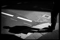 self contained worlds (Albion Harrison-Naish) Tags: sydney newsouthwales australia streetphotography sydneystreetphotography albionharrisonnaish iphoneography mobilephotography iphone iphonese hipstamatic lowylens blackeyssupergrainfilm jollyrainbow2xflash unedited straightoutofcamera sooc