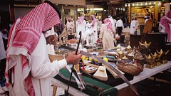 Souq AlZal Auction (LOAY ABANOMAY) Tags: souqalzal saudiarabia shop oldmarket riyadh derah area auction