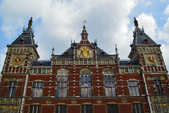 Amsterdam Centraal Station (caityhepler) Tags: amsterdam centraal station train netherlands holland europe
