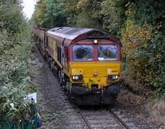 66-105-6G51-Trench-Crossing-24-10-2016 (D1021) Tags: class66 66105 ews dbs dbschenker 6g51 cartic donnington trench trenchcrossing telford nikond300 d300 pole poleshot