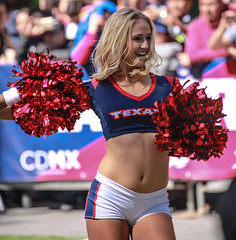 NFL Mexico 103 (L Urquiza) Tags: cheerleader texans porristas mexico city ciudad nfl huston girl blond experience fan event exposure