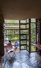 Unobstructed (trainmann1) Tags: nikon d90 tokina 1116mm amateur handheld fallingwater fallingwaterhouse franklloydwright flw house retreat pa pennsylvania millrun architectural design architect interior exterior inside outside october 2016 1939 autumn fall beautiful elegant stone wood wall walls building windows glass