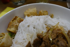 Noodles @ Bo Bun @  Saigon @ Galerie Vaugirard @ Montparnasse @ Paris (*_*) Tags: paris france europe city autumn fall november 2016 cold montparnasse saigon vietnam vietnamese food restaurant galerievaugirard bobun ricenoodle noodle beef