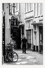 Haircut (Line Timmermans) Tags: nederland netherlands holland amsterdam publicspace publiekeruimte streetphotography straatfotografie haircut linetimmermans