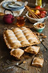 IMG_2518_exp (Helena / Rico sin Azcar) Tags: empanada bizcocho apple pie manzana food postre dessert frutossecos