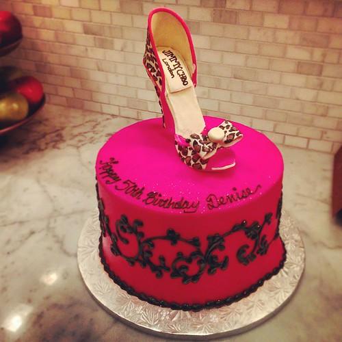 #BirthdayCake #edibleshoes #JimmyChoo #redvelvetcake #London #Hamptons #50s #nomnom #cake #instafood