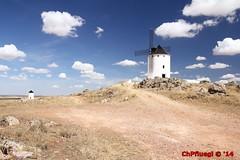 IMG_4909 (Pfluegl) Tags: wallpaper windmill de spain viento molino espana spanien hintergrund pfluegl windmhle windmuehle herencia pflgl chpfluegl chpflgl pflueglchpflgl