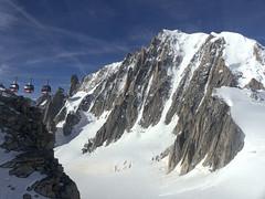 Chamonix, massif du Mont-Blanc, sommet du Mont-Blanc (Ytierny) Tags: panorama france horizontal altitude transport glacier neige midi blanche chamonix montblanc excursion glace alpinisme dme hautesavoie sommet valle goter aiguille et belvdre srac helbronner tlcabine massifdumontblanc hautemontagne alpesdunord ytierny