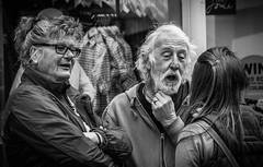 Sharing (pootlepod) Tags: street blackandwhite monochrome smile laughing photography funny joke joy humour sharing happyness stphotographia