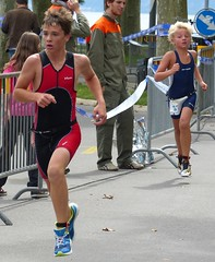 Pursuit (Cavabienmerci) Tags: boy sports boys sport race children schweiz switzerland kid à child suisse running run lausanne course runners pied runner triathlon laufen triathlete 2014 läufer lauf triathletes