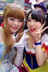 Cinderella and Snow white (runslikethewind83) Tags: costumes ladies girls woman streets cute halloween girl japan lady night fun tokyo women october asia princess pentax cosplay characters  cinderella  snowwhite nihon 2014        31stoctober