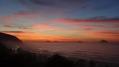 Amanhecer em São Conrado, Rio de Janeiro (Rubem Jr) Tags: ocean sunset pordosol brazil sun seascape sol praia beach water riodejaneiro sunrise landscape amanhecer brsil brasilemimagens