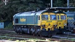 66537 & 66543 Ipswich 16-10-14 (panmanstan) Tags: station train track diesel railway loco locomotive ipswich freightliner class66 permanentway