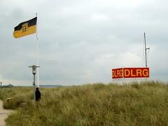 Insel Fehmarn, Sdstrand ... (bayernernst) Tags: oktober strand deutschland dlrg insel ostsee fehmarn schleswigholstein 2014 sdstrand ostholstein inselfehmarn 21102014 sn203976