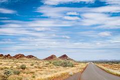 Pilbara Hillside Road (medXtreme) Tags: road street clouds cloudy strasse wolken overcast australia hills lane wa outback australien westernaustralia busch hgel pilbara lonelyroad hinterland bewlkt commonwealthofaustralia einsamestrasse australienkontinent nanutarramunjinaroad nanutarrawittenoomroad
