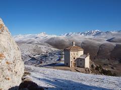 Oratorio (filippo rome) Tags: italy mountains castle italia castello montagna abruzzo abruzzi calascio roccacalascio