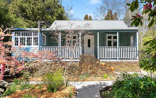 62 Backhouse Street, Wentworth Falls NSW 2782