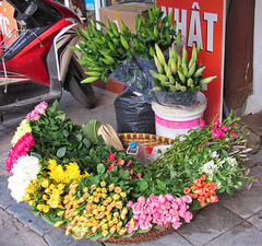 Flowers (Helen M Evans) Tags: vietnam hanoi oldquarter