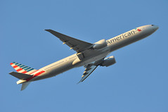 AA0107 LHR-JFK (A380spotter) Tags: takeoff departure climb climbout belly boeing 777 300er 773 n729an ship7ln americanairlines aal aa aa0107 lhrjfk thenewamerican futurebrand runway09r 09r london heathrow egll lhr